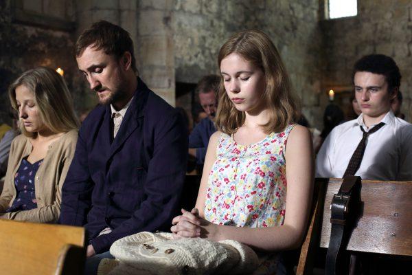 IONA 7 - Matthew (Tom Brooke) & family in church